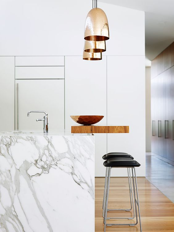 Merino experience, custom design, custom home, design and build, luxury home, luxury home builder, best practice builder, MBA builder, HIA builder, green smart professional, builders in Macarthur, builders in Camden, builders in Bowral, Southern highland builders, building a home, top 10 builders, custom builders, local builder, architectural designed homes, Builders in Moss Vale, luxury design, marble bench, beautiful kitchen, hanging lights, gold accents, luxury kitchen,